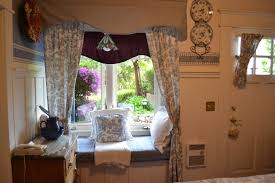 inviting creative bay window seat decoration exposed blind window