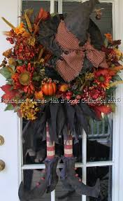 Easy Halloween Wreaths by 124 Best Halloween Wreaths Decor Images On Pinterest Halloween