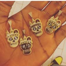 Customized Necklace Photo Wizkid Gets Customized Necklace Pendants For His Crew