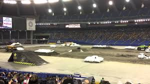 monster trucks olympic stadium montreal 2016