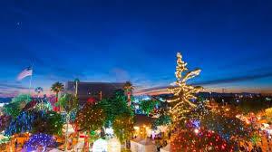 christmas lights in phoenix 2017 glendale glitters via twitter 68a08fdf 5056 b3a8 498821e6c73e55cf jpg