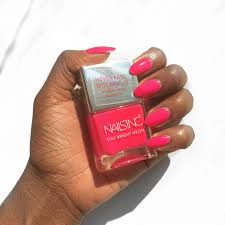 nail paint of the week nails inc claridge gardens stay bright