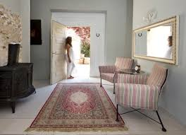 Rich Home Interiors A Refined Rich Classic Persian Design Medallion Rug Adds A Touch