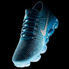 how nike built the hyperadapt the self lacing sneaker of our