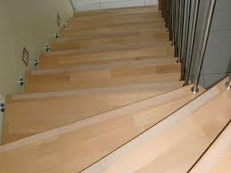 treppen anti rutsch anti rutsch streifen auf die treppe geklebt wörsty seine haus seite
