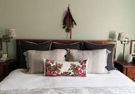 The Sweet Home Sheets Decorated For Christmas The Anatomy Of Design