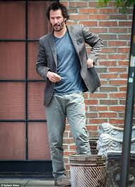 Keanu Reeve Meme - keanu reeves has a solitary drink outside his nyc hotel daily
