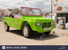 citroen mehari citroën méhari off road jeep in flourescent green and pink body