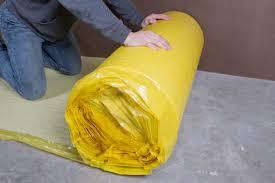 Installing Underlayment For Laminate Flooring How To Install 2 In 1 Vapor Barrier Flooring Underlayment