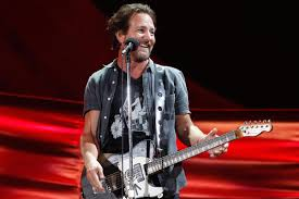 pearl jam u0027s eddie vedder donates 10 000 to family in need