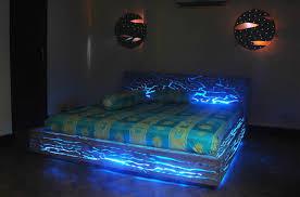 chambre led dormir n est pas la priorité de cette literie très led ubergizmo