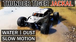 vaterra ascender jeep comanche pro mr thunder tiger jackal and mr hide rc videos pinterest