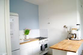 mobilier cuisine vintage mobilier blanc bois clair électroménager rétro cette