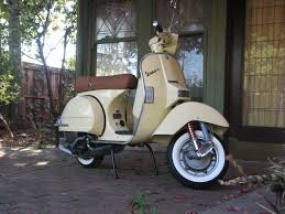 red and white retro scooter lml italian wheels pinterest