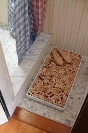 tappeto con tappi di sughero tappeto per la doccia con i tappi di sughero fai da te diy