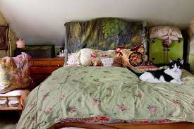 Shabby Chic Style Wallpaper by Houzz Headboards Bedroom Shabby Chic Style With Wallpaper Wallpaper