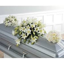 baby caskets daisies flowers and ribbon baby sympathy casket spray