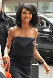 show me a picture of brandys bob hair style in the game brandy stuns with boucy bob haircut the style news network