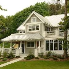 8 exterior paint colors to help sell your house