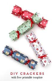 printable diy christmas crackers gathering beauty