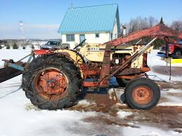 id this old case tractor