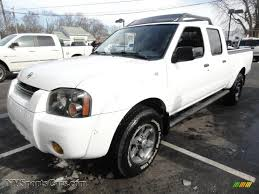 nissan frontier crew cab 4x4 2004 nissan frontier xe v6 crew cab 4x4 in avalanche white photo
