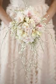 brides bouquet wedding flowers bridal bouquet trends for 2013