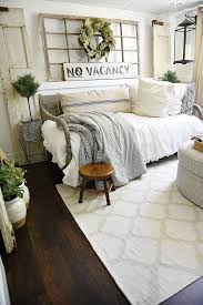 Spare Bedroom Ideas Best 25 Guest Bedrooms Ideas On Pinterest Spare Bedroom Farmhouse