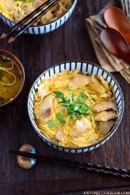 plats cuisin駸 bio oyakodon chicken and egg bowl 親子丼 just one cookbook