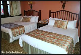 chambre golden forest le site non officiel de disneyland hôtel sequoïa lodge