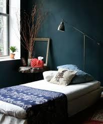 chambre peinte en bleu 1001 idées pour une chambre bleu canard pétrole et paon sublime