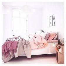 What Is A Coverlet Used For 3 Ways To Create A Beautiful And Comfortable Bed Magazine Photos