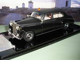 rolls royce classic phantom rolls royce phantom v modelcar classic models 1 43 in others
