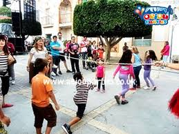 clowns for birthday in manchester aeiou kids club manchester kids birthday party entertainment manchester