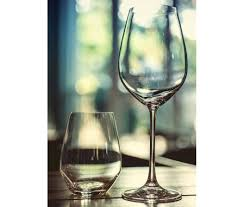 stemmed vs stemless wine glasses