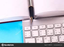 Schwarzer Schreibtisch Schreibtisch Bürotisch Mit Weißen Computer Leere Visitenkarte