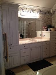 can gray go with antique white in our bathroom