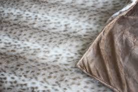 mixi heart u0027s luxe faux fur pillow u0026 throw u2013 sewciety u2013 my cuddle