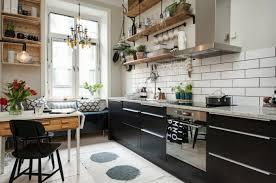 moderne landhauskche mit kochinsel küchengestaltung ideen so gestalten sie eine küche mit kochinsel