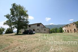 country house for sale in italy marches macerata castelraimondo