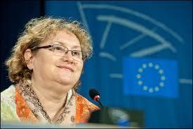 Vi talar med den liberala ledamoten Renate Weber från Rumänien som ansvarar ... - 20120423PHT43761_original