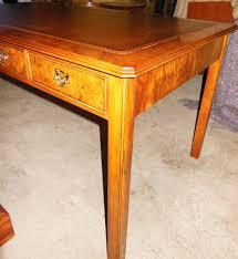 Schreibtisch Nussbaum Englischer Partner Schreibtisch Nußbaum Wurzelfurniert Mit 6