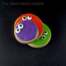 googly eyed monster halloween cookies for idolza