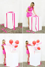 balloon in a box box of balloons cool birthday surprises