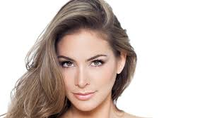 highlights to hide greyhair how to use highlights to hide gray hair l oréal paris