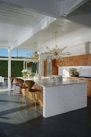 best 20 kitchen lighting design ideas midcentury modern palm kitchen of 1956 midcentury modern palm springs home the kitchen of the la casa di ucello bianca