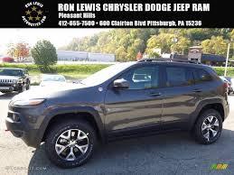 jeep trailhawk 2017 2017 granite crystal metallic jeep cherokee trailhawk 4x4