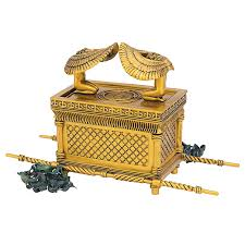amazon com design toscano inc ark of the covenant statue home