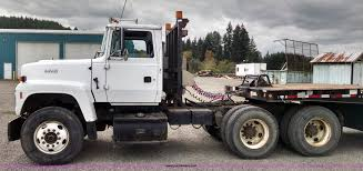 1996 ford l9000 semi truck item aw9163 sold october 23