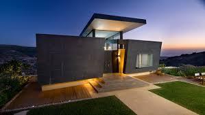 bauhaus home borrow from the bauhaus for a modernist landscape design